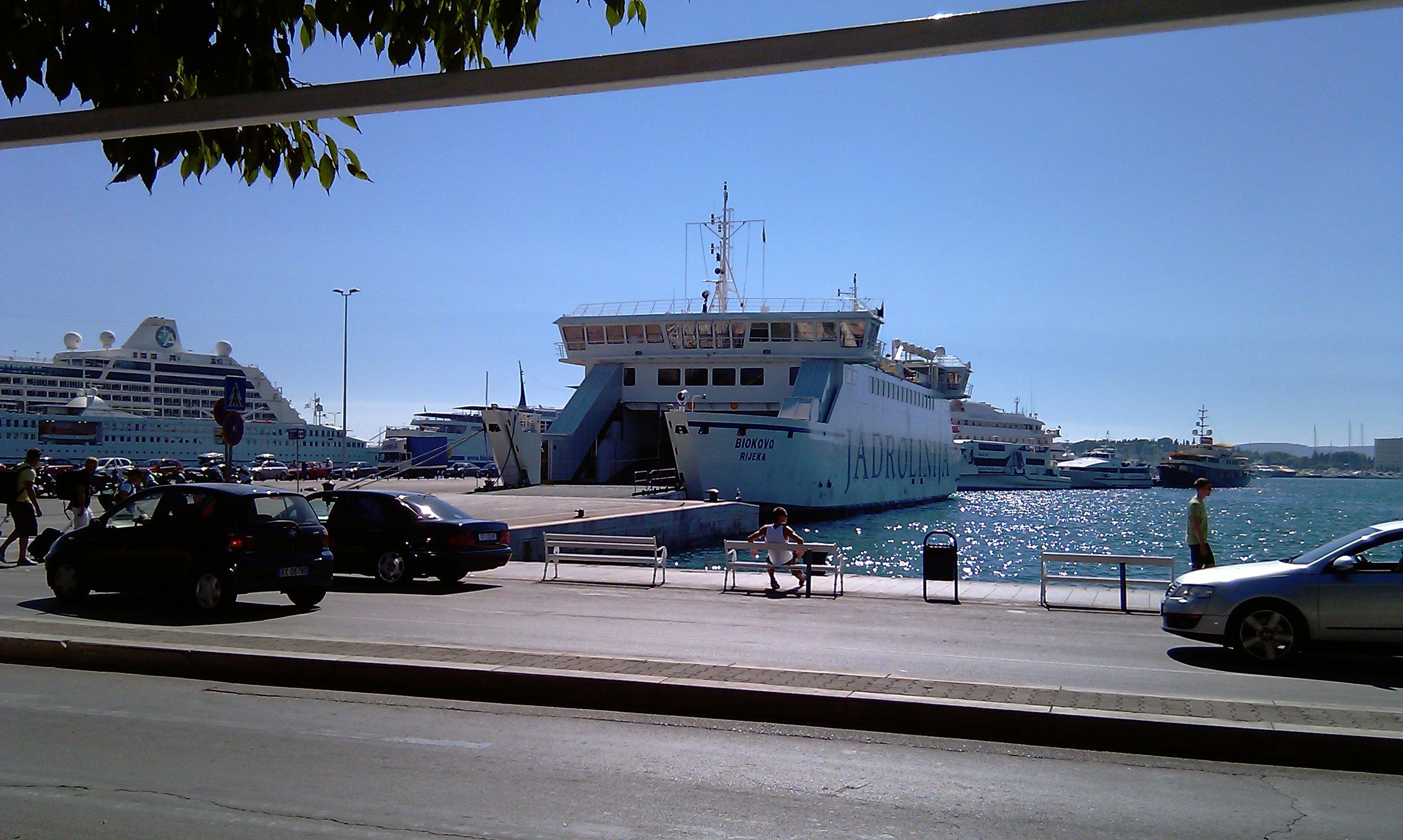 Bild 3: Die Fähren von Split aus fahren fast alle nach Süd-Italien